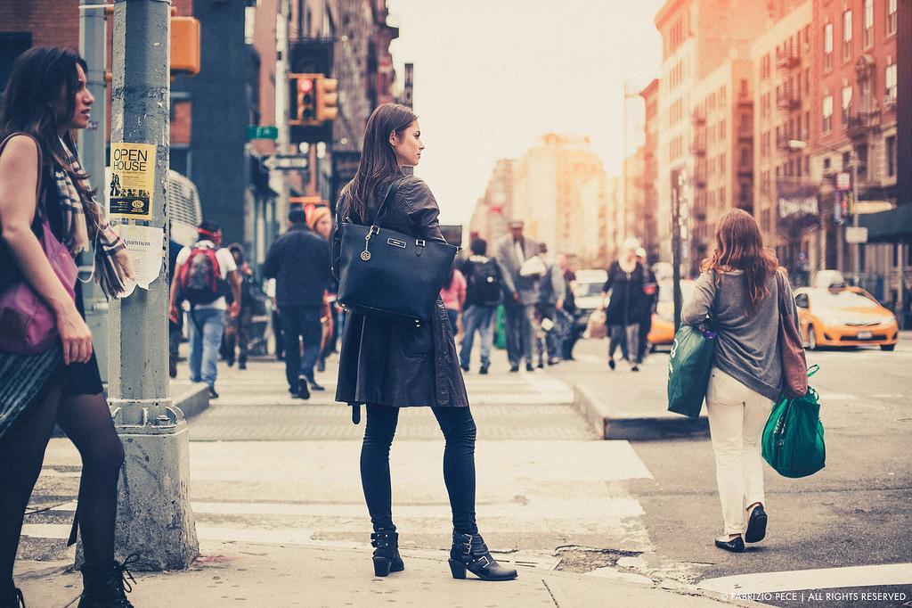 Ernest Mag Femmes Newyork
