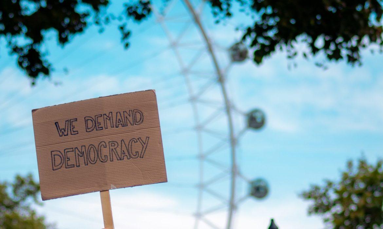 Et si la slow démocratie était notre avenir ?
